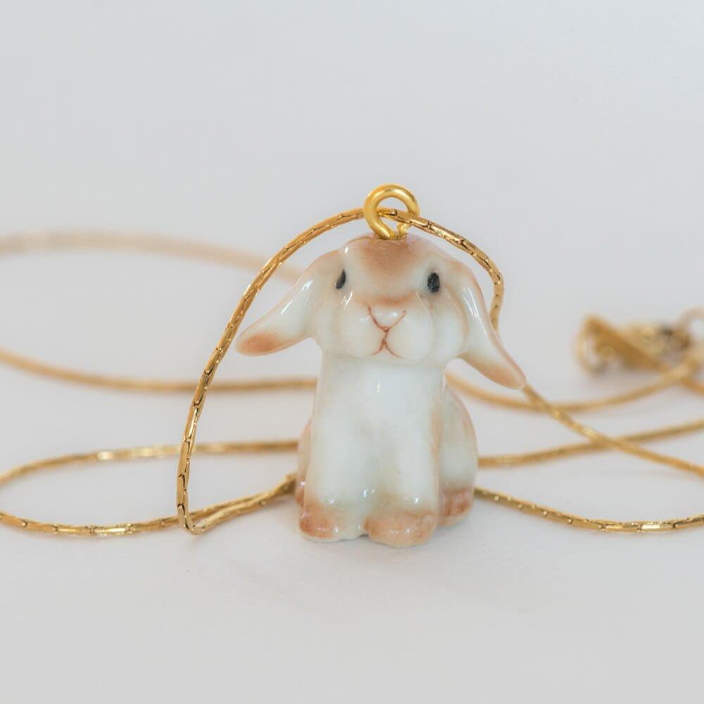 Le collier Pandora en porcelaine